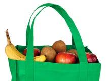 Mantimentos no saco verde reusável Imagem de Stock