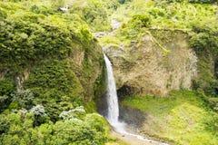 Manto de la Novia vattenfall i de Andean bergen Royaltyfria Foton