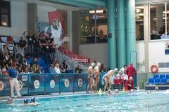 MANTOVA - 19 DE FEBRERO: Partidarios y equipo directivo del deporte de BPM foto de archivo