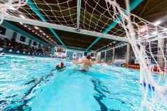 MANTOVA - 19. FEBRUAR: Ball im Netz in Spiel BPM-Sport Mana Lizenzfreies Stockfoto