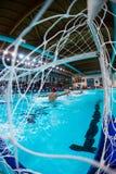 MANTOVA - 19. FEBRUAR: Ball im Netz in Spiel BPM-Sport Mana Stockfotos