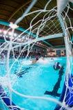 MANTOVA - 19. FEBRUAR: Ball im Netz in Spiel BPM-Sport Mana Stockfoto