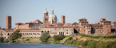 Mantova, Skyline stockbild