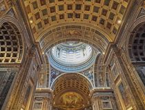 Mantua, Италия - 29-ое апреля 2018: Интерьер церков Sant Андреа Montegna Mantua, Ломбардии, Италии стоковые фотографии rf