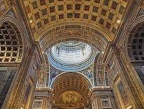 Mantua Italien - April 29, 2018: Inre av kyrkan av Sant Andrea Montegna av Mantua, Lombardy, Italien royaltyfria foton