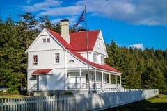Mantuvo bien la casa de campo blanca Florencia, Oregon foto de archivo