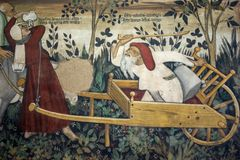Manty Roszują, narzucający Grodowy datować z powrotem xiii wiek który wzrasta wokoło czterdzieści kilometrów od Turyn - fresk, zdjęcie royalty free