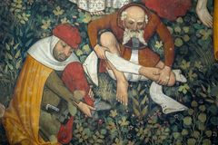 Manty Roszują, narzucający Grodowy datować z powrotem xiii wiek który wzrasta wokoło czterdzieści kilometrów od Turyn - fresk, obrazy stock