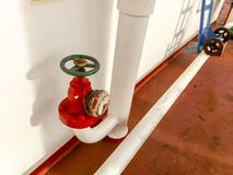Manuał zamykająca klapa ujście drymba dostawy wody linia przeciwogniowy system Obrazy Stock