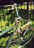 Manubri d'annata verdi della bici Immagine Stock