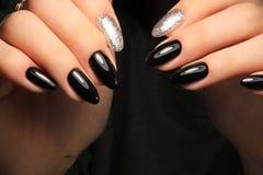 Manucure d'ongles de mode photo libre de droits