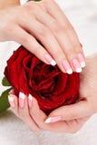 Manucure française rose photo libre de droits