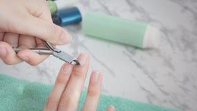 Manucure, station thermale, salon, beauté, mode, traitements, soins de la peau de main, pinces d'ongle photographie stock