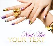 Manucure. Vernis à ongles métallique Photographie stock libre de droits