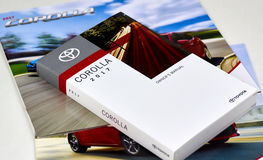 Manuel de voiture de Toyota Corolla Images stock