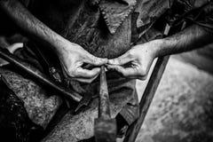 Manuell arbetare för metall arkivbild