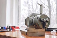 Manuelle Spindelbefestigung Drehenklemme der hohen Genauigkeit für die Präzisionsteilherstellung industriell, Ausrüstung für Stah lizenzfreies stockfoto
