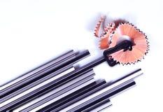 Manueller Bleistiftspitzer und Bleistifte mit hölzernem Strudel Lizenzfreies Stockbild