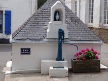 Manueller Wasserbrunnen Lizenzfreies Stockbild