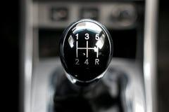 Manuelles Getriebe im Auto Lizenzfreie Stockfotos