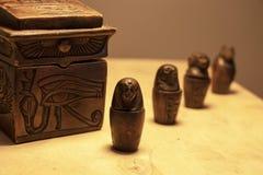 Manufatti e simboli dall'Egitto fotografie stock