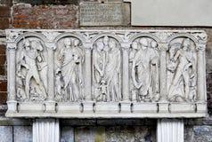 Manufatto della tomba in campo Santo (Pisa, campo dei miracoli) Fotografia Stock Libera da Diritti