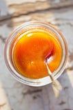 Manuka sund honung Arkivfoto