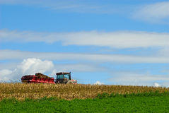 Free Manure Spreader In Field Stock Photo - 28083020