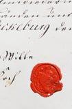 Manuscrito antigo do pergaminho com selo da cera fotografia de stock