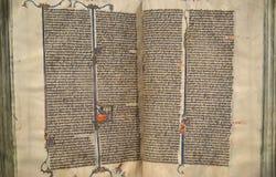 Manuscrito iluminado da Bíblia imagens de stock royalty free