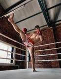 Manutbildningsidrottshall som boxas Muttahida- Majlis-E-Amalcirkelskugga som boxas blandad kampsport Royaltyfri Fotografi