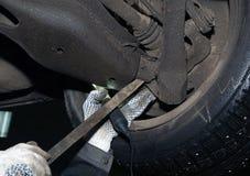 Manutenção e reparo do carro Verifique a suspensão Imagem de Stock