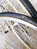 Manutenzione e riparazioni della gomma della bicicletta Immagini Stock Libere da Diritti