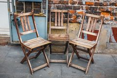 Many empty wooden chairs Royalty Free Stock Images