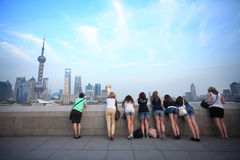 Many foreign vistor standing by yangzi river looki Stock Photography