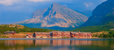 Many Glacier Hotel Stock Photography