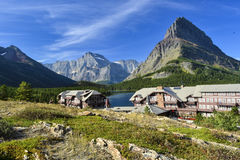 Many Glaciers Lodge on Swiftcurrent Lake Royalty Free Stock Images