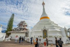 Many people visit Burmese-style chedi of Wat Phra That Doi Kong Mu Royalty Free Stock Photos