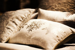 Many pillows on the bed Royalty Free Stock Images