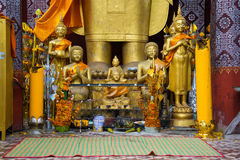 Many small golden buddhas Royalty Free Stock Photos