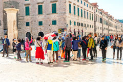 Many tourists visit the Old Town of Dubrovnik Stock Photography