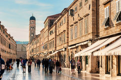 Many tourists visit the Old Town of Dubrovnik Stock Photos