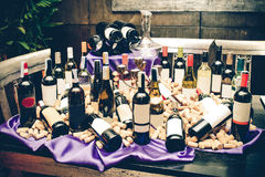 So many wine bottle and cork on the table, Royalty Free Stock Images