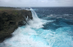 Manzamo klippa i Okinawa Japan under storm arkivbild