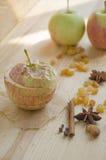Manzana cocida al horno Fotos de archivo libres de regalías