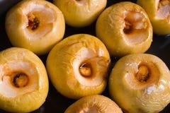 Manzana cocida al horno imagen de archivo