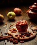 Manzana cocida al horno Fotos de archivo