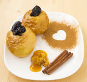 Manzana cocida con la miel Foto de archivo