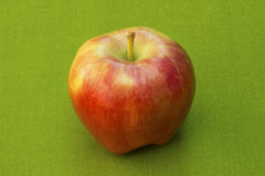 Manzana madura roja imagenes de archivo
