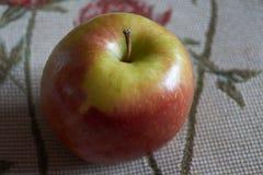 Manzana natural en España muy sana imagenes de archivo